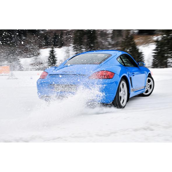 Porsche Schnee- & Ice-Drift-Training mit Übernachtung im Lungau